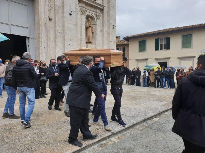 """Siena: Andrea Mari e il cuore della città che oggi""""scianguina"""""""
