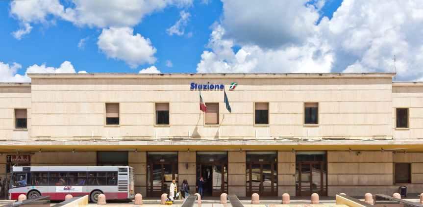 Siena, Senese in difficoltà dorme alla Stazione: Grande risposta solidale da parte dellacittà