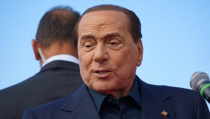 """Siena, Processo Ruby ter, i pm su Silvio Berlusconi: """"Seriamente malato, la sua posizione va stralciata"""""""
