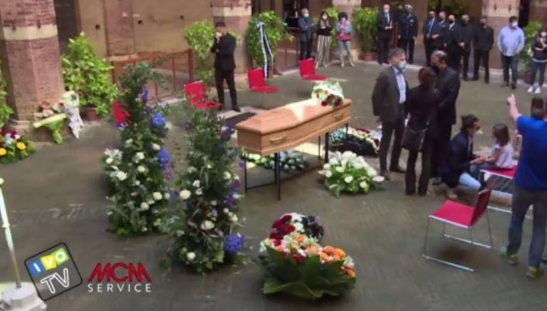 Siena: Oggi 21/05 l'ultimo saluto a Andrea Mari, DirettaLive