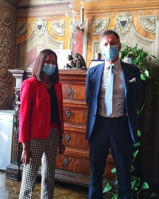 Siena: Oggi 04/06 il Sindaco De Mossi ha  incontrato la console americana GuptaRagini