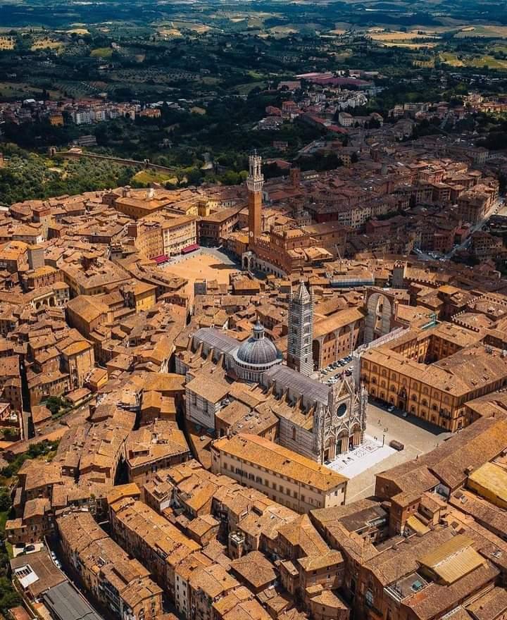 Siena: Quando la città respirava musicainternazionale