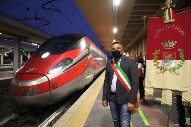 Provincia di Siena: Chiusi, torna il Frecciarossa alla stazione. I primi passeggeri salgono in direzioneMilano