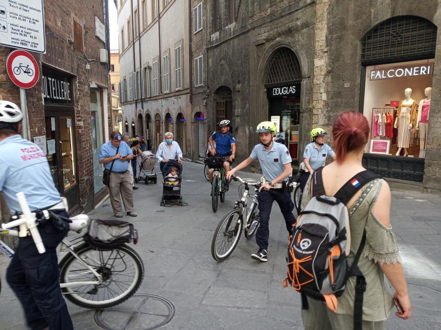 Siena: Polizia Municipale in biciletta, ecco la nuovapattuglia