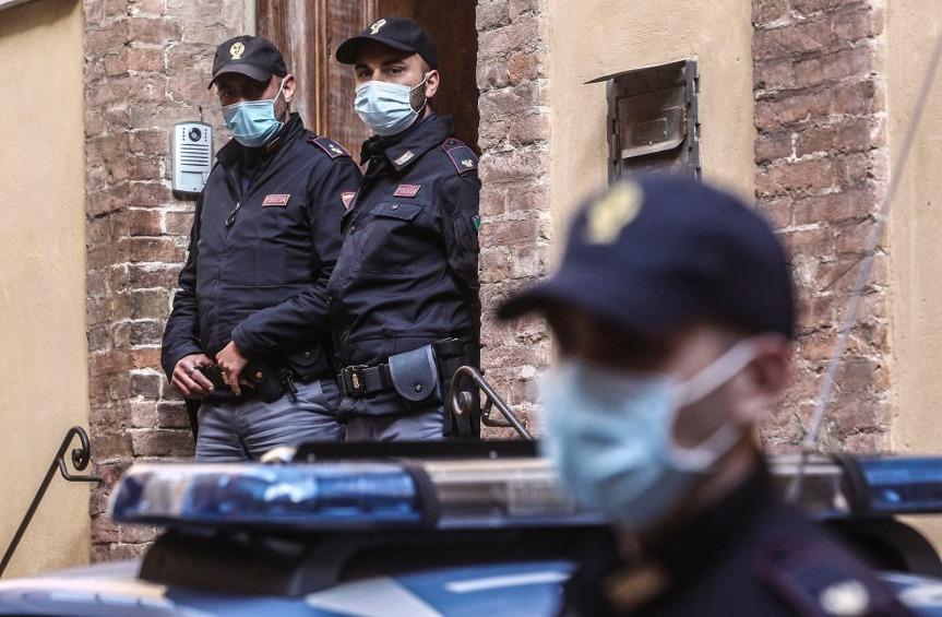 Siena, Consuma la cena e non paga, donna si aggira per i locali del centro storico: Una nuovasegnalazione