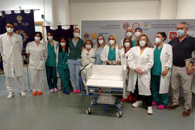 """Provincia di Siena: Progetto """"Culliamoli 2020"""": Lions, Rotary e Soroptimist donano dodici culle per i neonati dell'ospedale diNottola"""