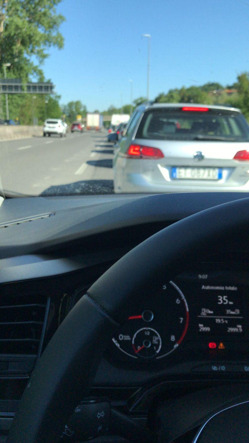 Provincia di Siena: Camion perde carico, caos per il traffico sullaSiena-Firenze