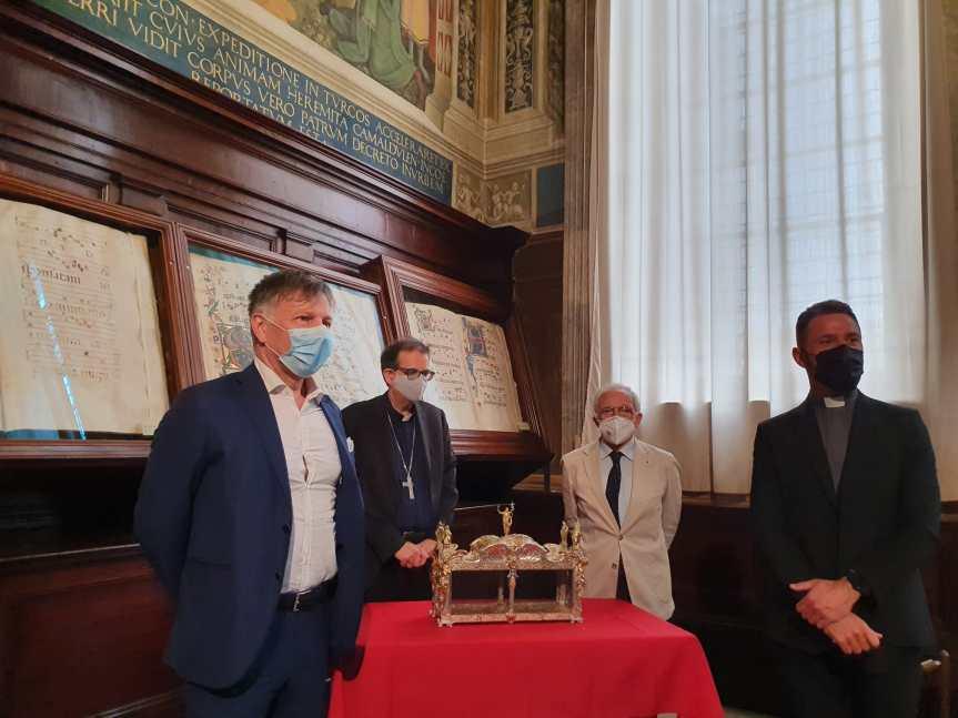 Siena: Restaurato il reliquiario contenente il braccio di San GiovanniBattista