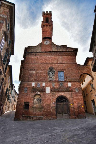 Provincia di Siena: Sinalunga, Palazzo Pretorio inserito tra le opere triennali dei lavoripubblici
