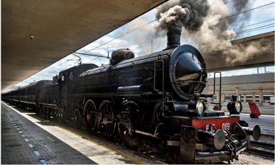TRoscana: Il fischio della locomotiva fa partire il treno di Dante sulla trattaFirenze-Ravenna
