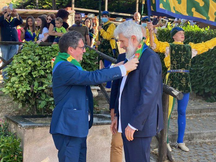 Siena: Alessandro Benvenuti si battezza nelBruco