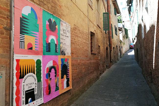 Provincia di Siena: Per le strade di Montepulciano, opere d'arte affisse comemanifesti