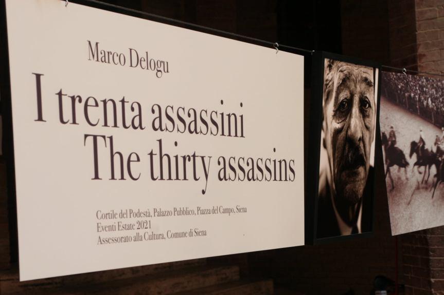 """Palio di Siena: I """"Trenta Assassini"""" di Marco Delogu nell'Entrone di PalazzoPubblico"""