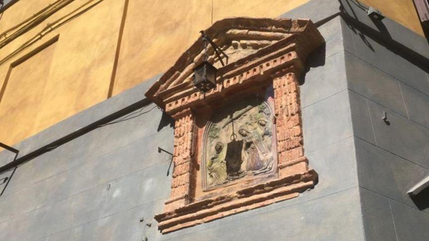 Siena, Contrada del Valdimontone: Restaurato il tabernacolo in ViaValdimontone