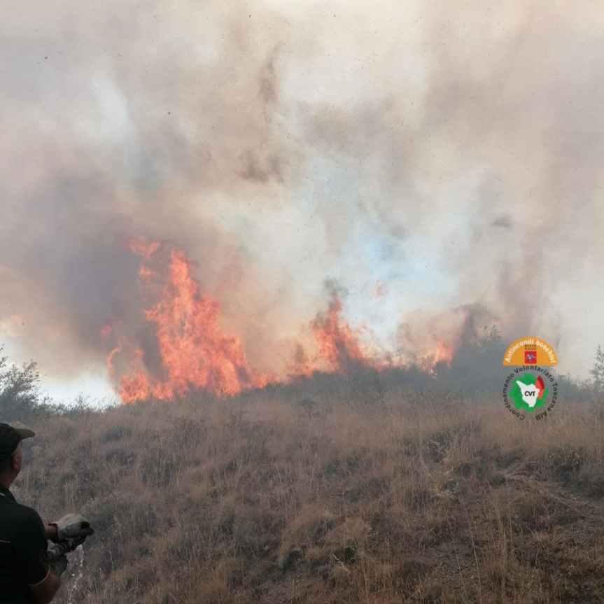 """Toscana, incendi, Saccardi: """"Momento ancora delicato, necessaria la massima attenzione"""""""