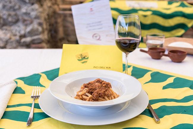 """Provincia di Siena, Montepulciano, """"A tavola con il Nobile"""": Trionfano i pici della Contrada diCollazzi"""