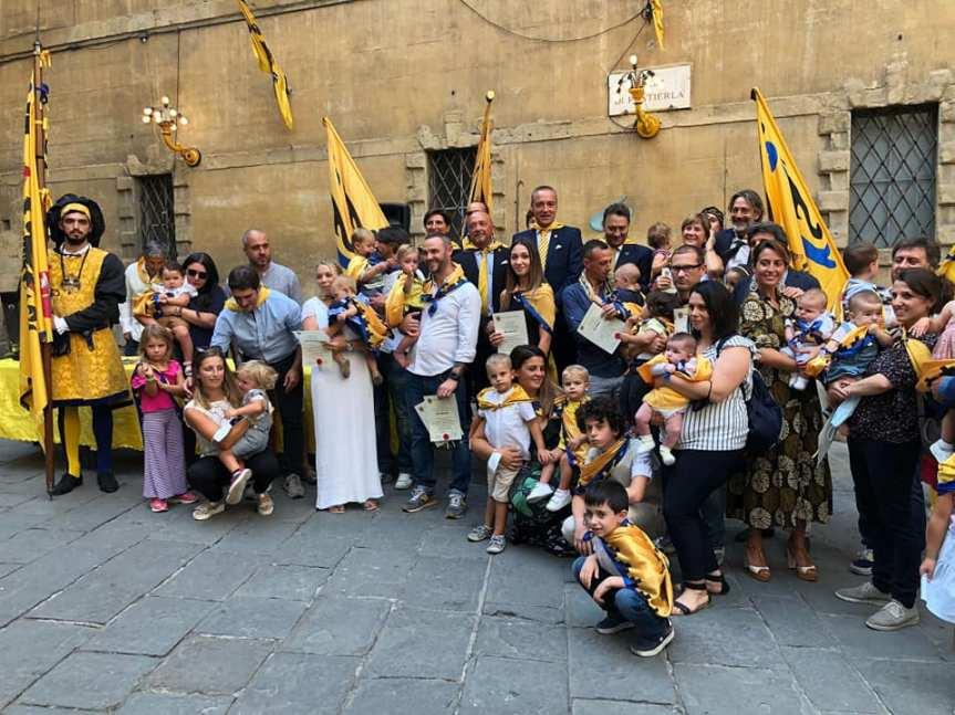 Siena: I battesimi nella contradadell'Aquila