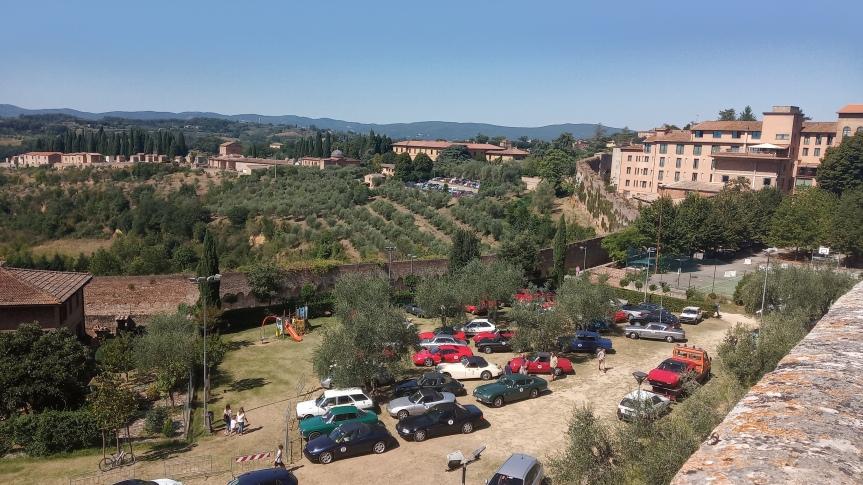 Siena: Oggi 05/09 ritrovo Ferrari d'Epoca nei giardini dell'Oliveta dellaChiocciola