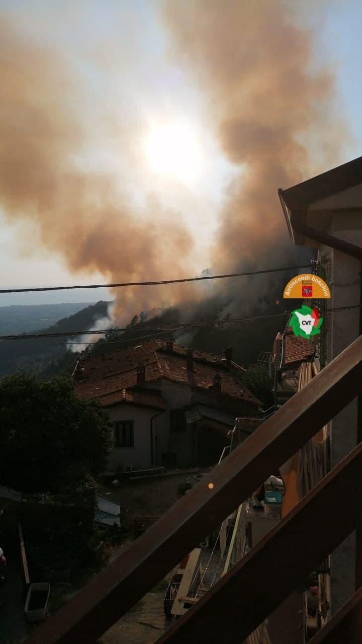 """Toscana, Giani: """"Sto monitorando l'incendio scoppiato ieri 11/09 a Montignoso"""""""