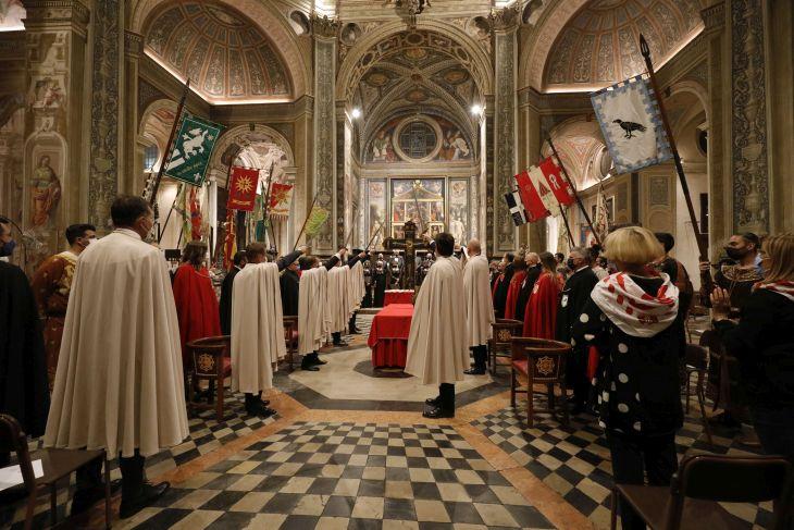 Palio di Legnano: In Basilica a San Magno Veglia e Onori alla Croce. Gli auguri di Monsignor Cairati per un Palio dellaripresa
