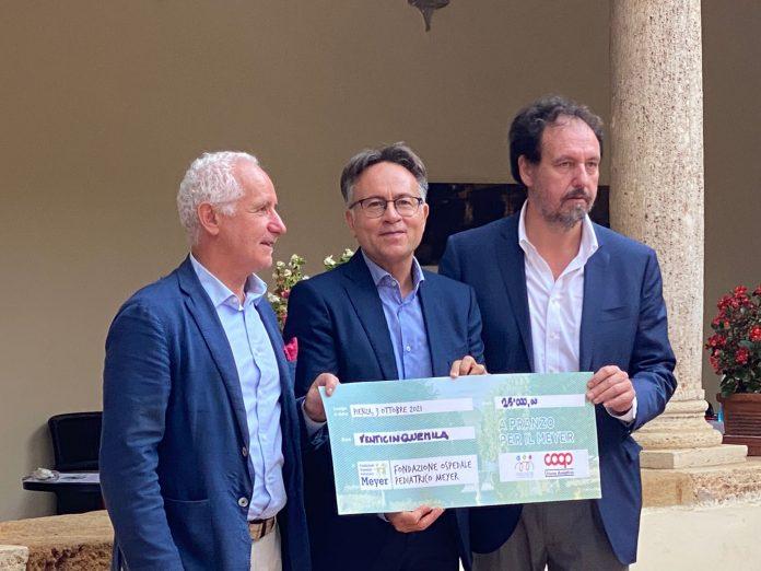 """Provincia di Siena, """"A pranzo per il Meyer"""" a Pienza: Raccolti 25mila euro per il progettoMeyerPiù"""