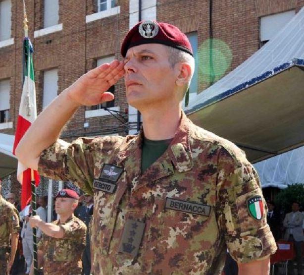 Siena, Acn Siena, Siena-Pistoiese: Pre-partita con il comandante dellaFolgore