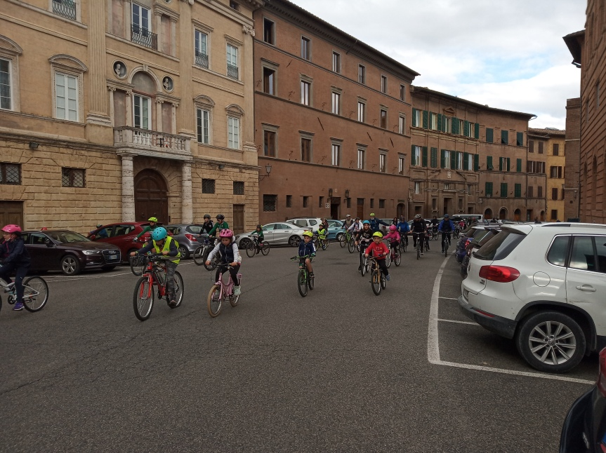 Siena: Oggi 10/10 Bimbimbici passaggio da Pian deiMantellini