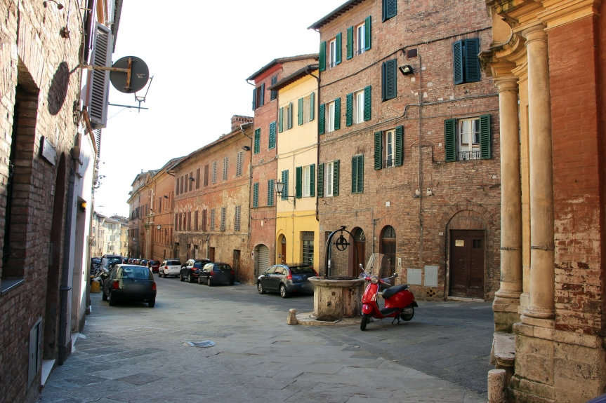Siena, Contrada della Chiocciola: Le chiusure stradali per il Banchetto di Chiusura dell'Anno Contradaiolo del17/10